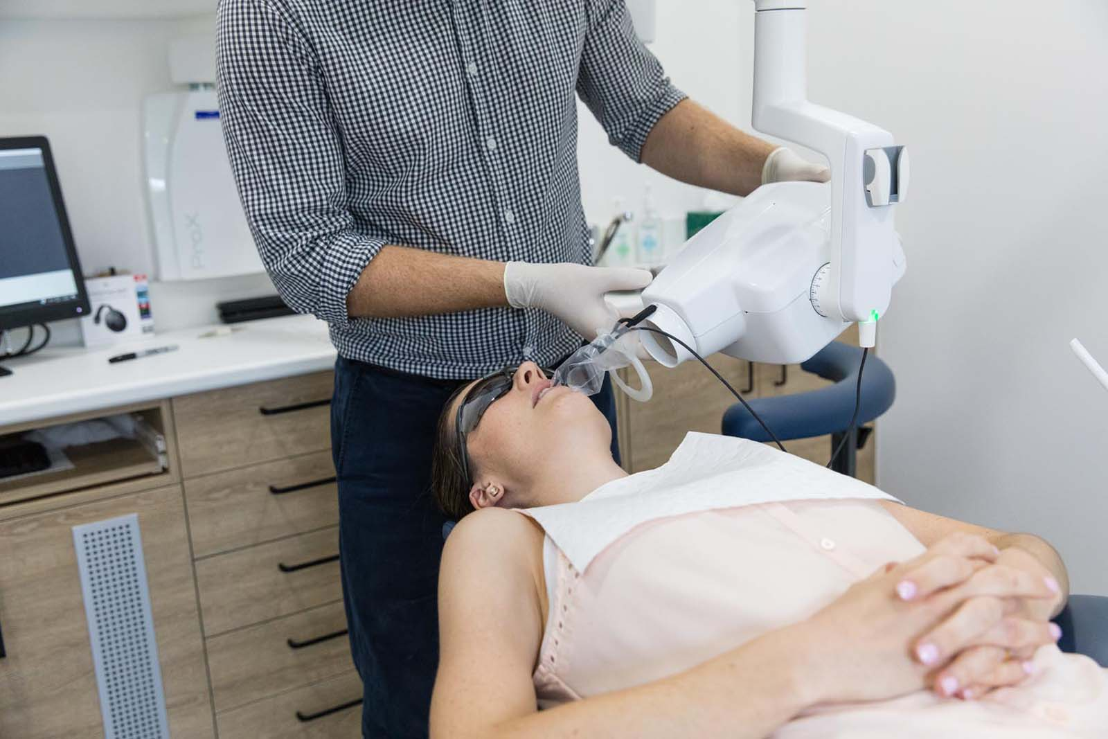 Silver Amalgam to Tooth Coloured Fillings: Should You Make That Change? – Luke, Caloundra Dentist